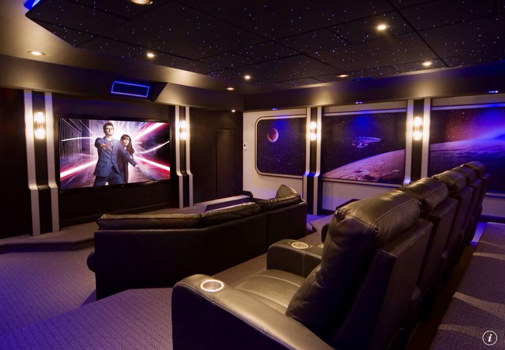 modern-home-theater-with-entertainment-center-i_g-ISlq697j2724780000000000-1T9fk
